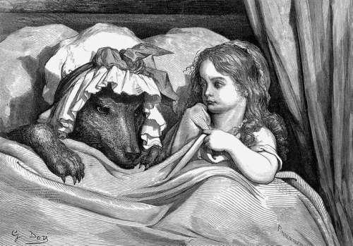 volk-in-rdeca-kapica-v-postelji